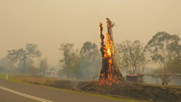 Three American firefighters die as Australia fires continue