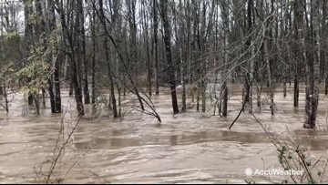 Reed Timmer reporting on flash flood threat from Big Black River