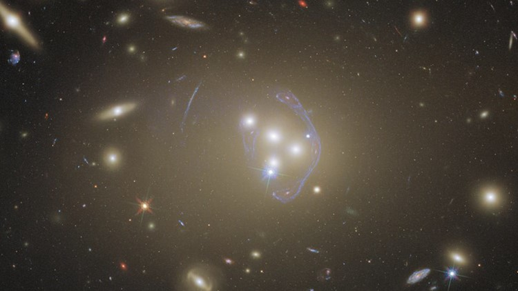 Mesmerizing New Hubble Telescope Images Features a Cluster of Galaxies