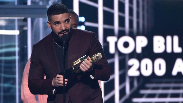 Drake accepts the top billboard 200 album award  2019 Billboard Music Awards - Show