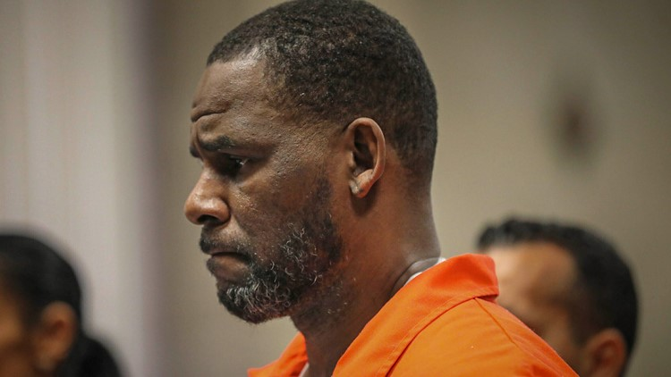 R. Kelly's Chicago trial on federal sex charges set for Aug. 2022