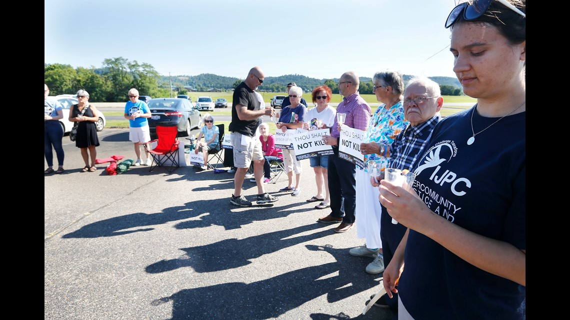a9da36ec0a67 Jennifer Sens with The Intercommunity Justice and Peace Center (IJPC) of  Cincinnati gathers outside of the Southern Ohio Correctional Facility in  Lucasville ...