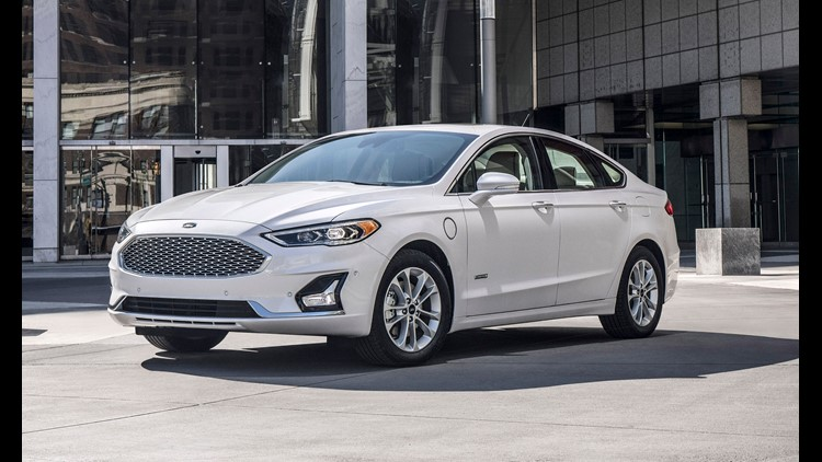 Ford plans to get rid of the traditional Fusion sedan in favor of a longer, taller and more brawny version.