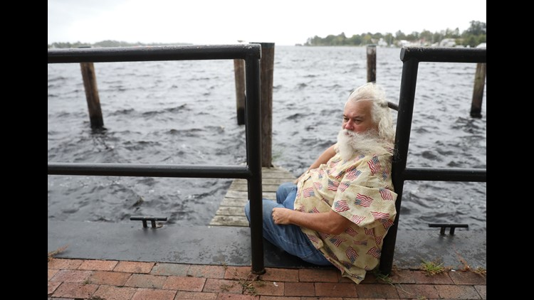 Up and down the Carolina coast, they hadbeen warned, cajoled and sternly cautioned all week: A powerhousestorm is thundering closer, get out now. But on Thursday,there were those who remained.