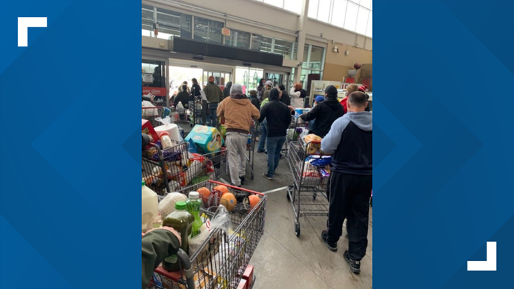 Grocery store let customers take free groceries when power went out in Texas