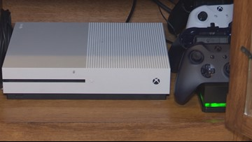 'It's infuriating': Mom warning other parents after predator contacts son through gaming console