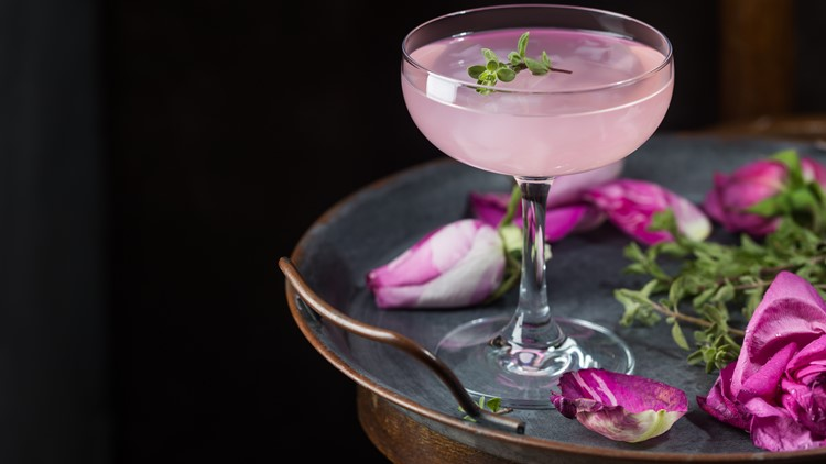 These cocktail recipes are sure to be a hit when the ball drops tonight on New Year's Eve