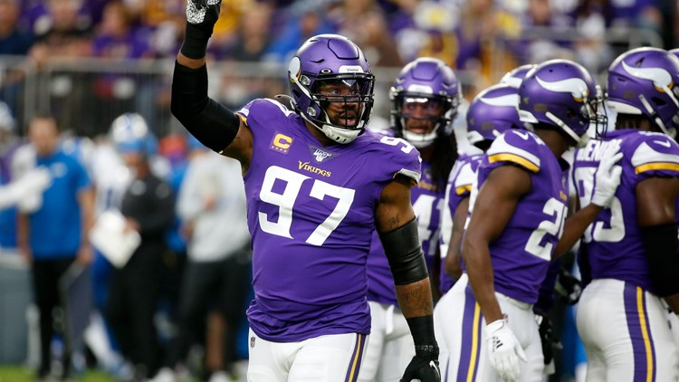 Reports: Vikings' Everson Griffen ruled out Sunday after car accident swerving to miss deer