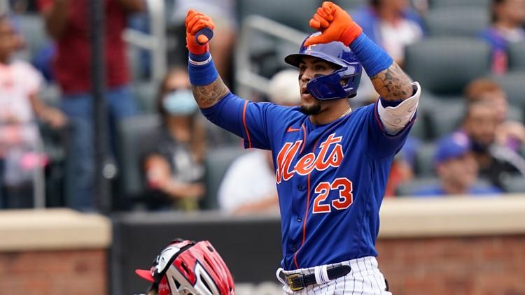 Mets' Javy Baez retaliates against booing fans, owner calls gesture 'unacceptable'