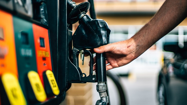Average price for a gallon of gas in Northeast Ohio falls by eight cents this week