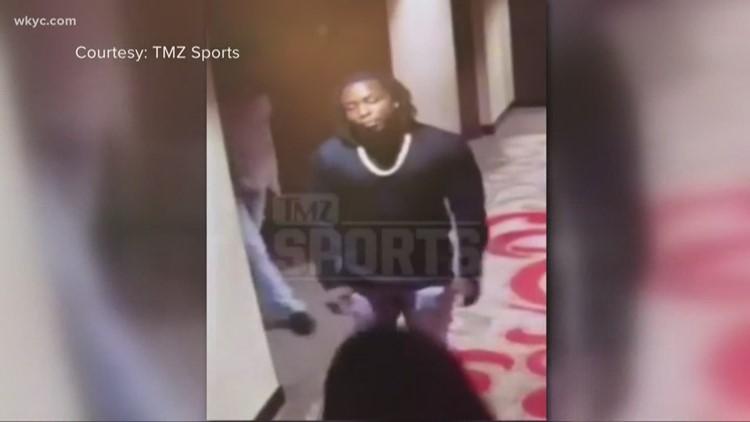Video Shows Nfl Star Kareem Hunt Assaulting Woman Wkyc Com