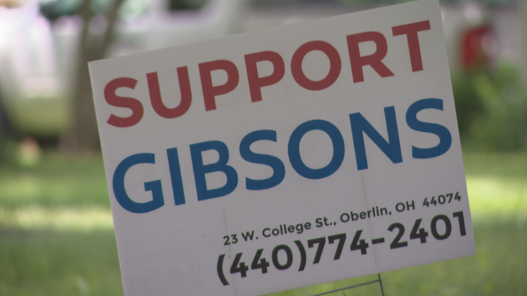 Gibsons sign