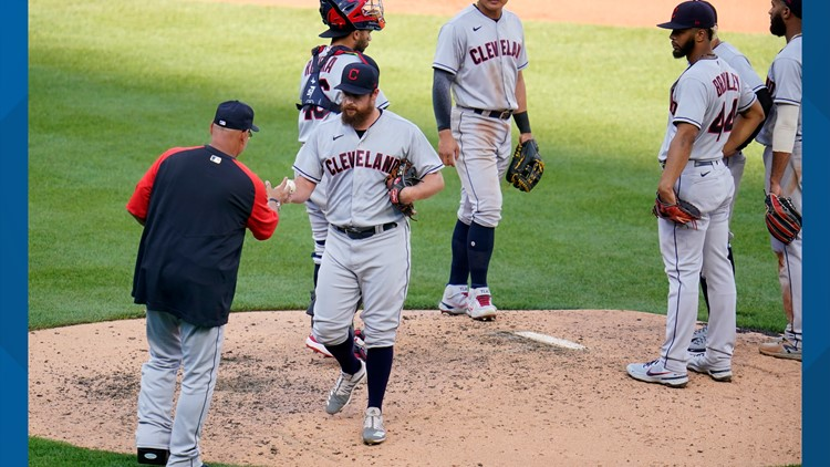 Cleveland Indians blow late lead in 6-3 loss to Pittsburgh Pirates