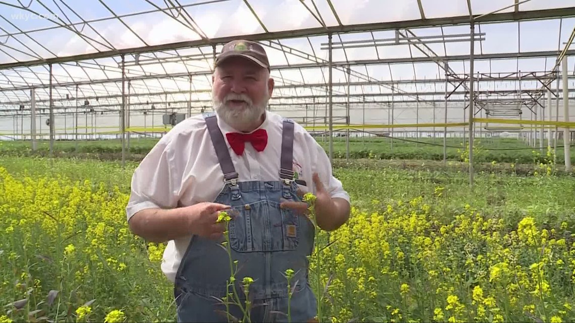 Ohio's Farmer Lee Jones comes out with first-ever recipe book | Doug Trattner reports