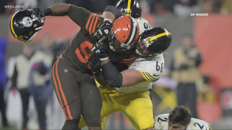 Social media sounds off after Myles Garrett-Mason Rudolph fight in Browns-Steelers game