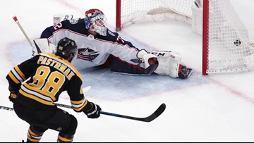 David Pastrnak, Boston Bruins beat Blue Jackets 4-3 for 3-2 series lead