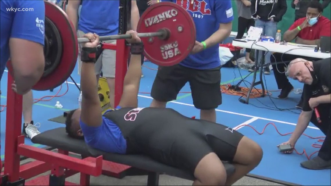 13-year-old Maple Heights boy bench presses 225 pounds, sets World Raw Powerlifting Record