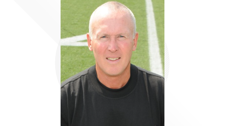 Keith Wakefield retires after 30 seasons as Perry Panthers football coach