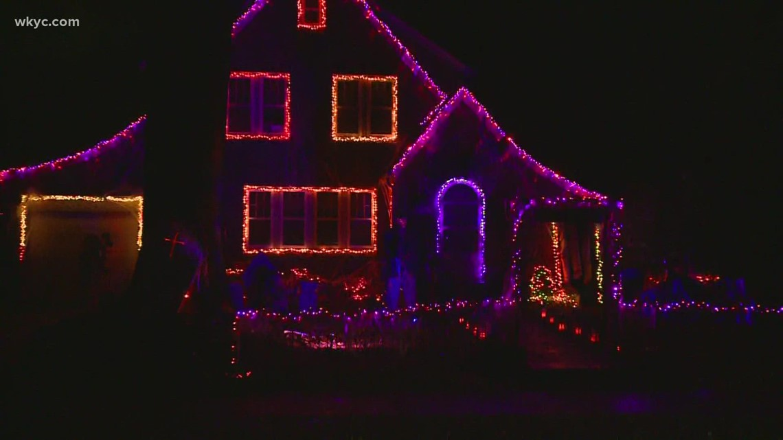 Check out this Wadsworth house that's decked out for Halloween!