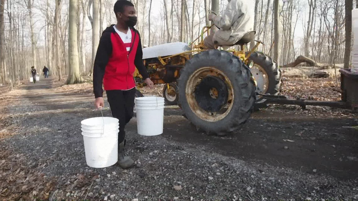 Students making maple syrup at University School (Part 1) | GO-HIO