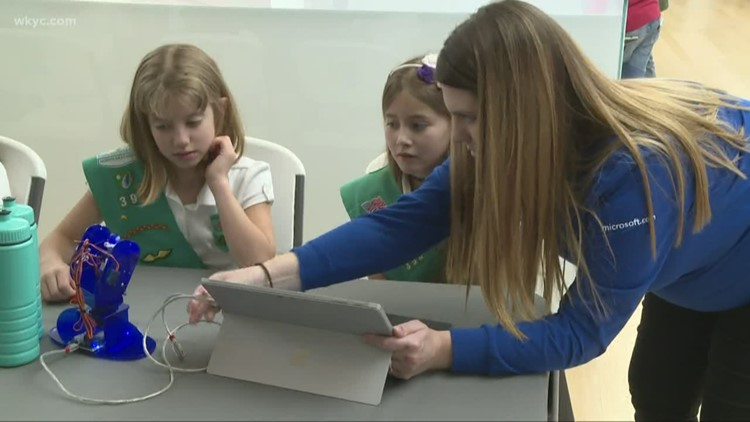Girls in STEM: Microsoft stores open their doors to Girl Scouts