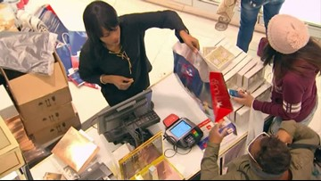 Northeast Ohioans do last-minute shopping on Christmas Eve