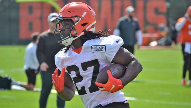 Cleveland Browns RB Kareem Hunt at OTAs