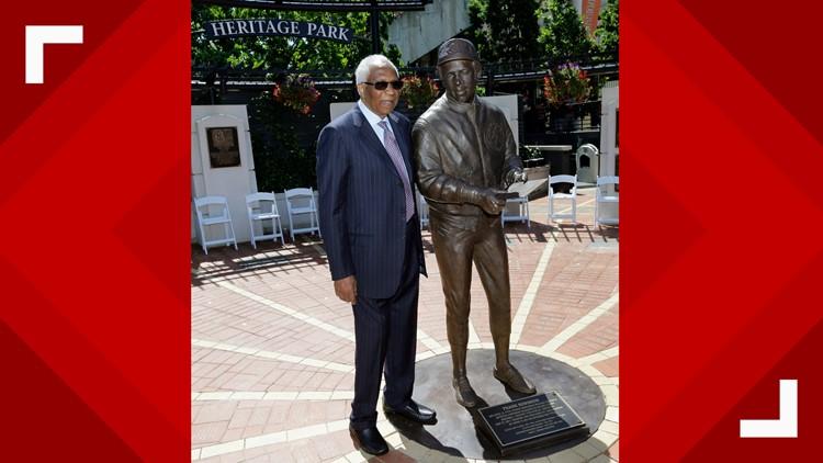 Frank Robinson Statue Baseball