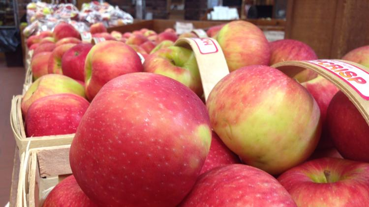 Patterson Fruit Farm temporarily closes apple picking due to shortage