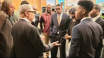 Leon Bibb, fraternity serve up stirring reminder of why it's important to encourage youths