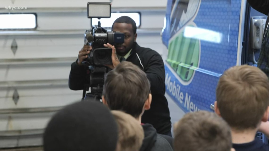 6th grades from LeBron's IPROMISE School visit WKYC Studios