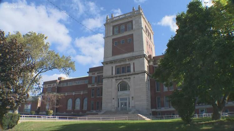 Cleveland Metropolitan School District postpones closure of Collinwood High School