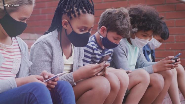 Leon Bibb: Looking at the debate on mask mandates at schools