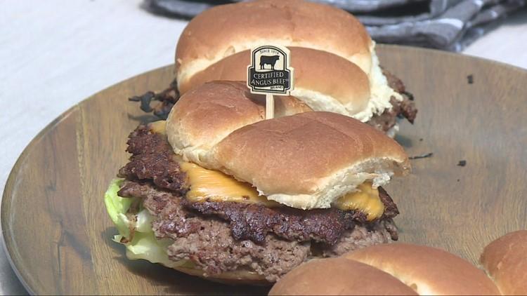Doug Trattner reports: How to make the perfect smash burger