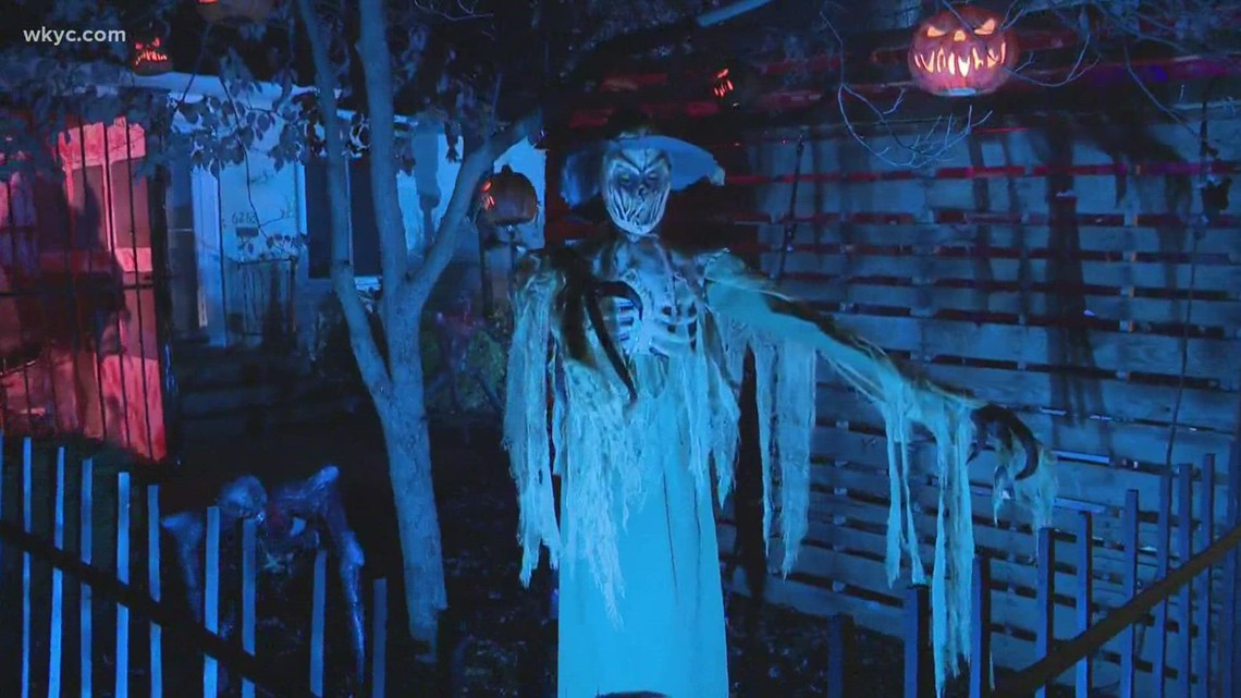 A haunting in Parma: Epic Halloween decorations take over Stratford Drive home
