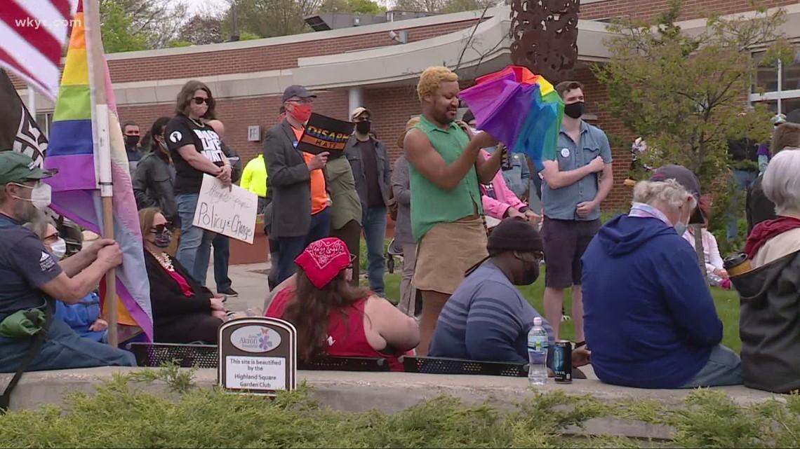 Akron residents hold demonstration against gun violence