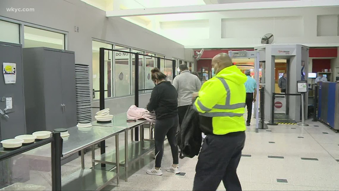 TSA to hire new security screeners ahead of the summer travel season