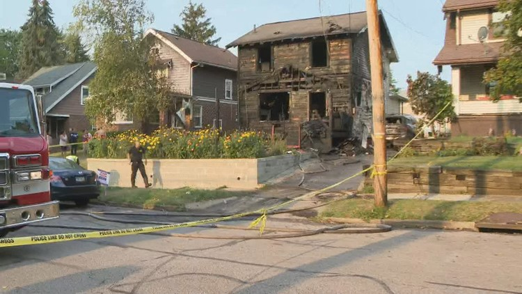 3 children, 2 adults die in Akron house fire