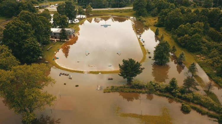 Melanie Lake swimming park overcome by floodwaters forcing week-long closure