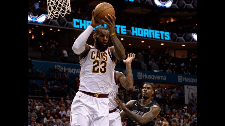 LeBron James on season's MVP chase: 'I would vote for me'