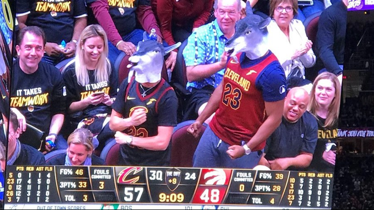 8bb551b8c Cleveland Cavaliers fans honor LeBron James with GOAT masks