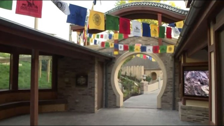 Cleveland Zoo offering free Monday admission to furloughed government employees