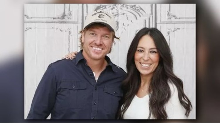 Chip and Joanna Gaines share pictures of newborn son