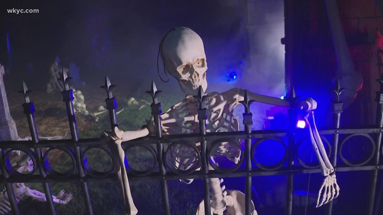 Cool Halloween display in Olmsted Falls!