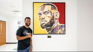 Visual artist Kris Rhymes visits LeBron James' I PROMISE school in Akron; PHOTOS, VIDEO