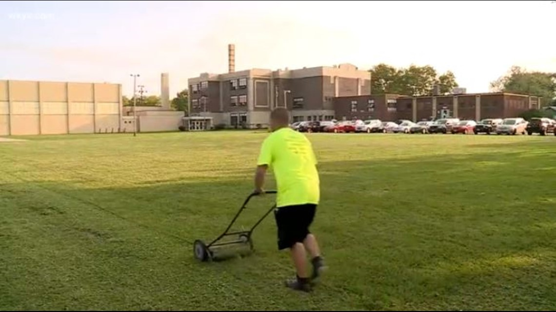 Judge orders man to mow lawn for obscenities crime