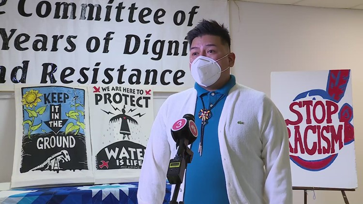 Chris Begay, of the Dinè nation, talks with 3News
