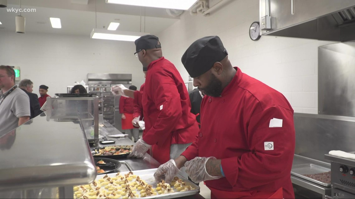Northeast Ohio prison inmates learn food skills to help fill open positions in the restaurant industry