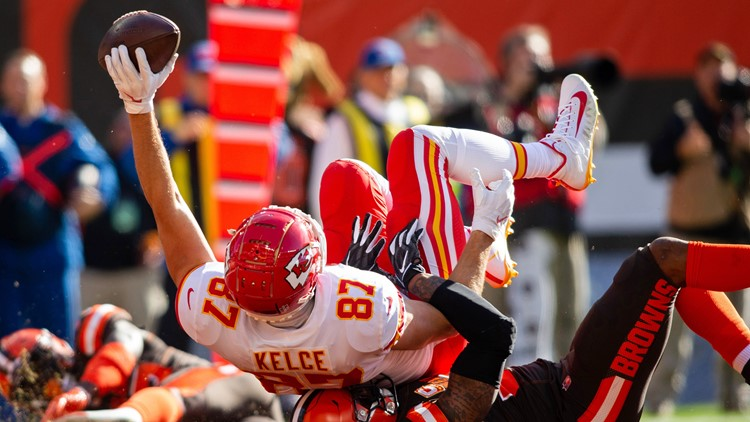Travis Kelce-Browns-Chiefs_1541363951014.jpg.jpg