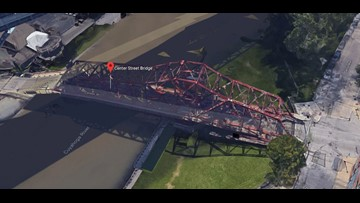 UPDATE | Center Street bridge in Cleveland's Flats reopens after mechanical issue